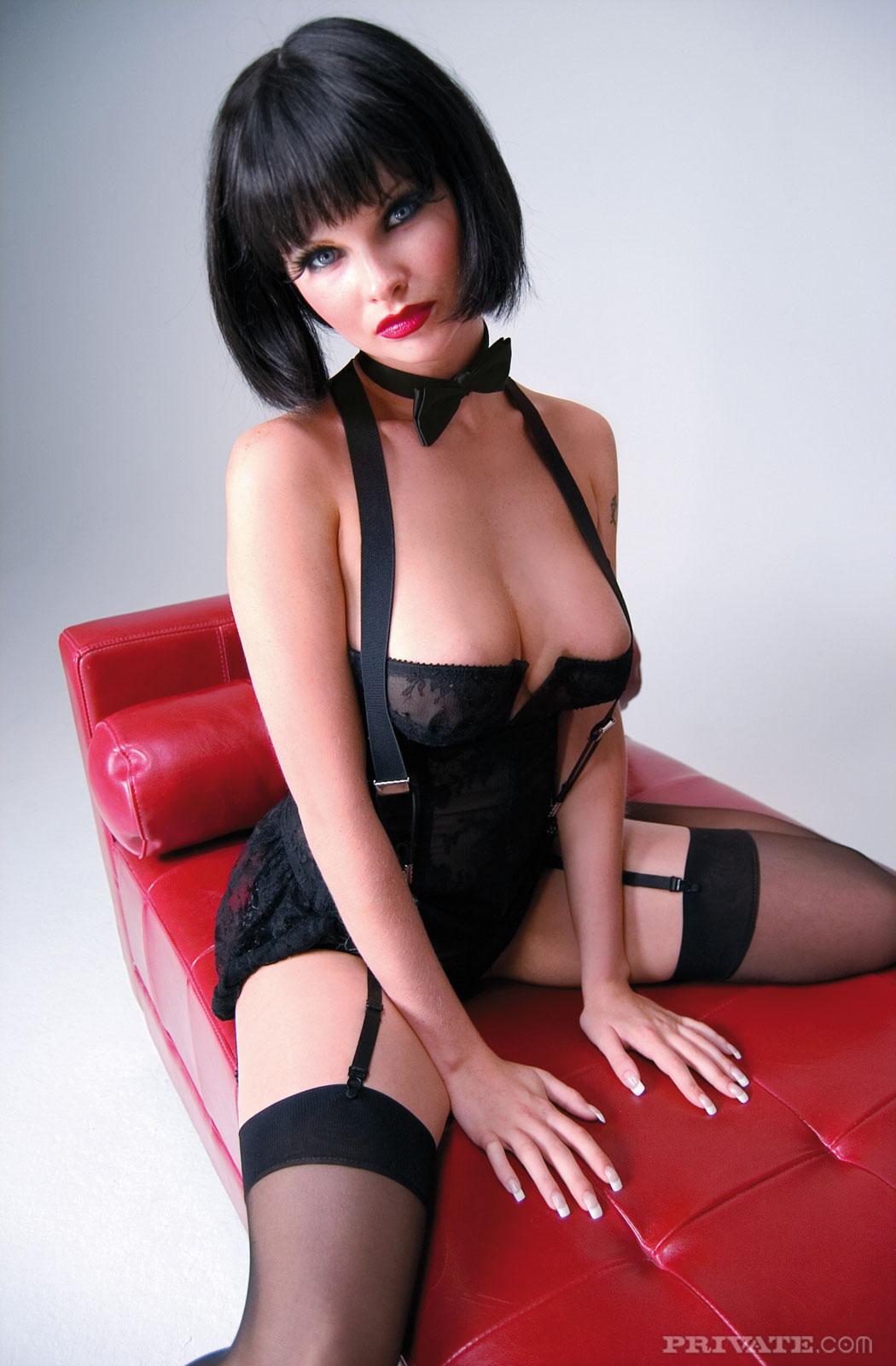 Русское порно брюнетки под каре 19 фотография