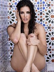 Sunny Leone - Wet And Wild