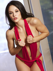 Logan Drae - Sizzling Red Hot