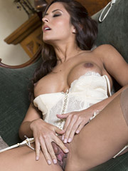 Danni Gee - Can't Stop The Hotness