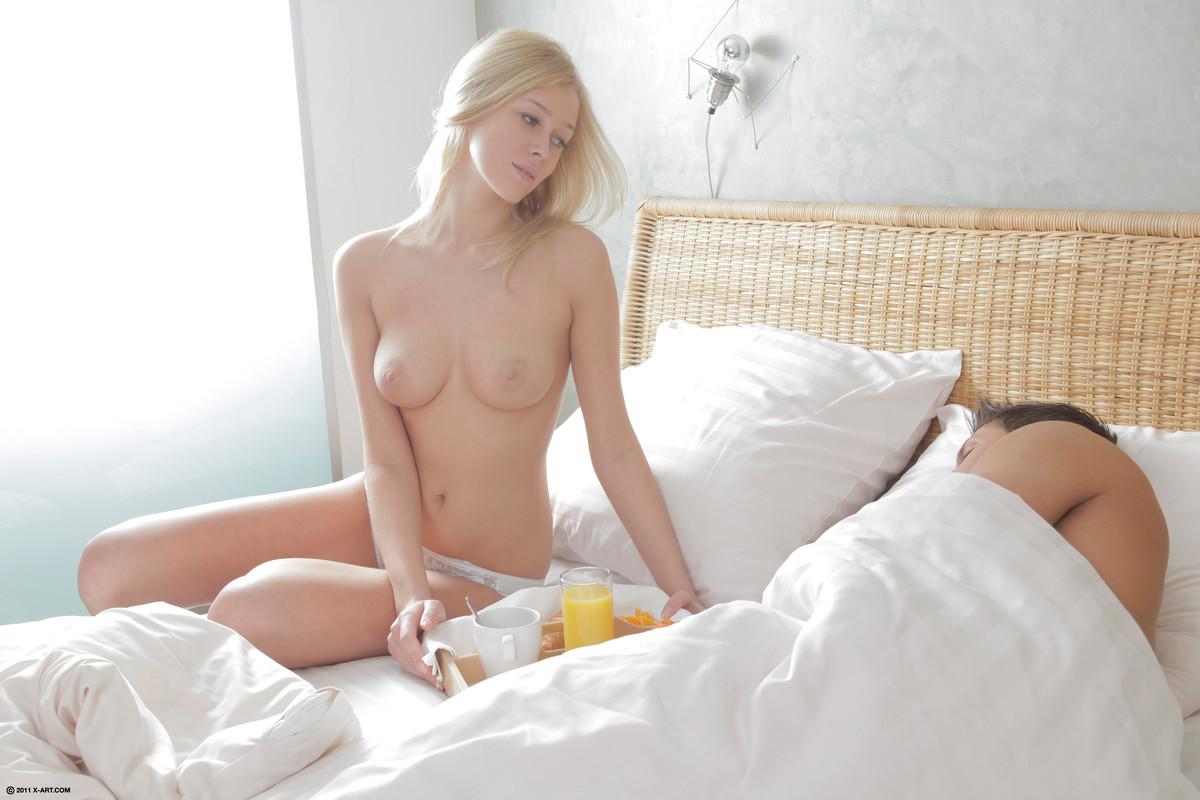 Секс с нереально красивой блондинкой 22 фотография