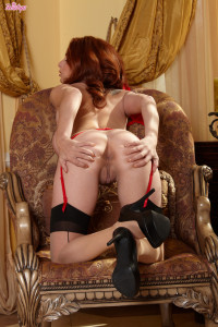 Ashley Graham – Red Hot Red