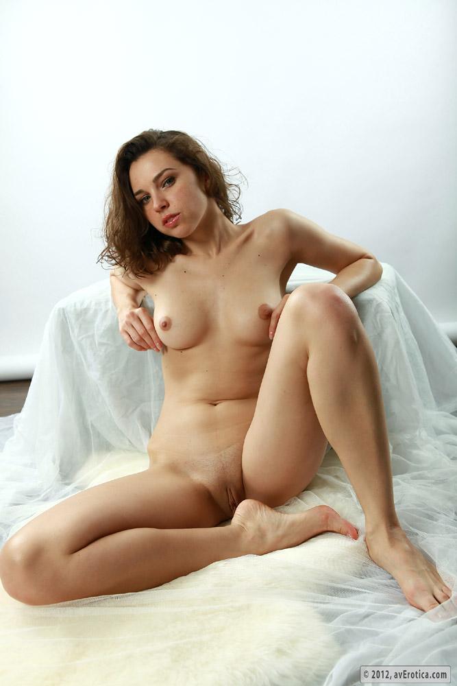 Sexy naked babe masturbating a banana